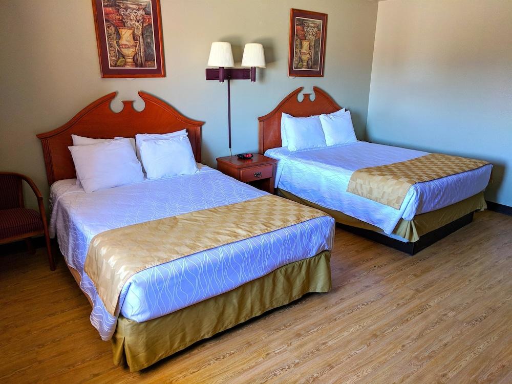 Americas Best Value Inn U0026 Suites Gallup, Gallup, Room, Kitchen (2 Queen