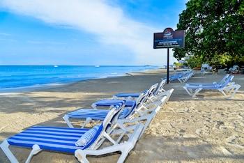 Foto CocoLaPalm Seaside Resort di Negril