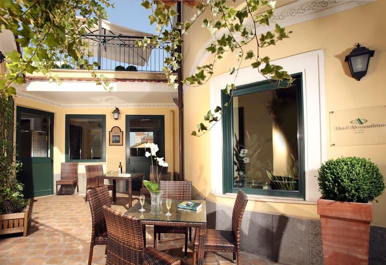 هوتل أليساندرينو, روما, بار الفندق