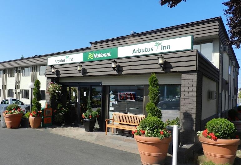 Arbutus Inn, Вікторія, Фасад готелю