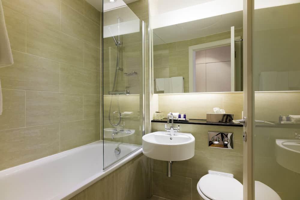 Двухместный номер с 1 двуспальной кроватью (City Double Promotional Room) - Ванная комната