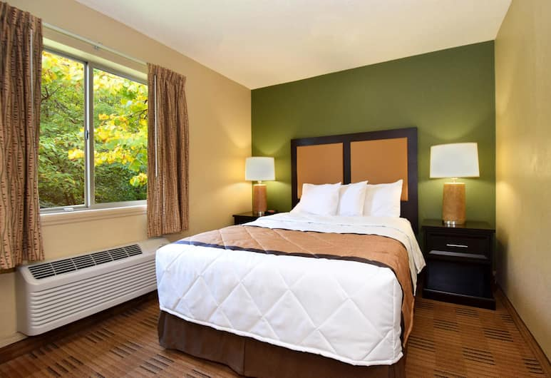 Extended Stay America - Omaha - West, Omaha, Deluxe Studio, 1 Queen Bed with Sofa bed, Non Smoking, Guest Room