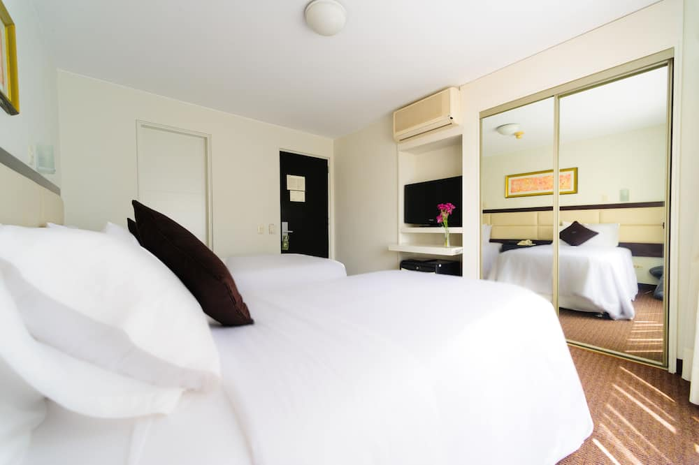 Kambarys verslo klientams, 1 didelė dvigulė lova - Svečių kambarys