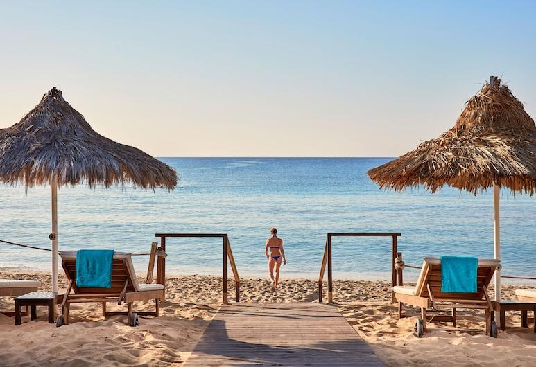 古希臘灣飯店, 阿依納巴, 海灘