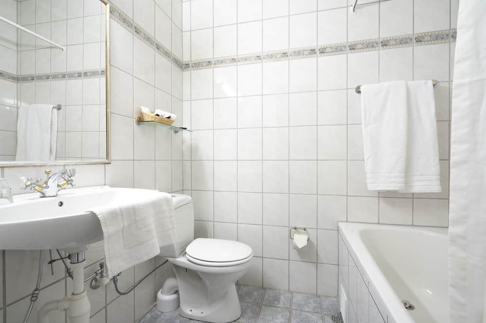 Superior-Zimmer, 1 Doppelbett - Badezimmer