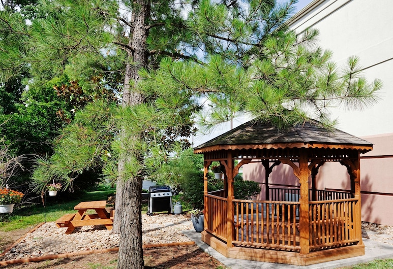 Sonesta Simply Suites Knoxville, Knoxville, Terrace/Patio