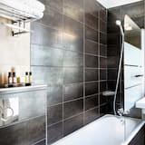 Room, 2 Double Beds (Adjacentes) - Bathroom