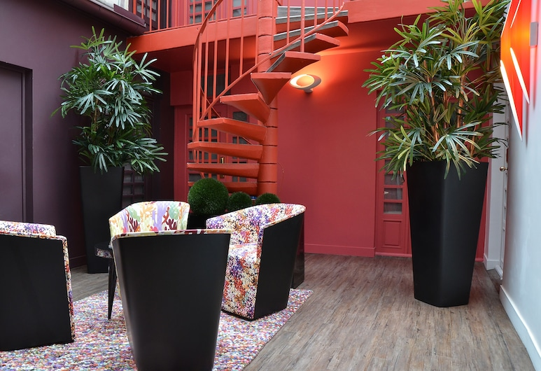 Hotel Tivoli Etoile, Paris, Lobby Sitting Area