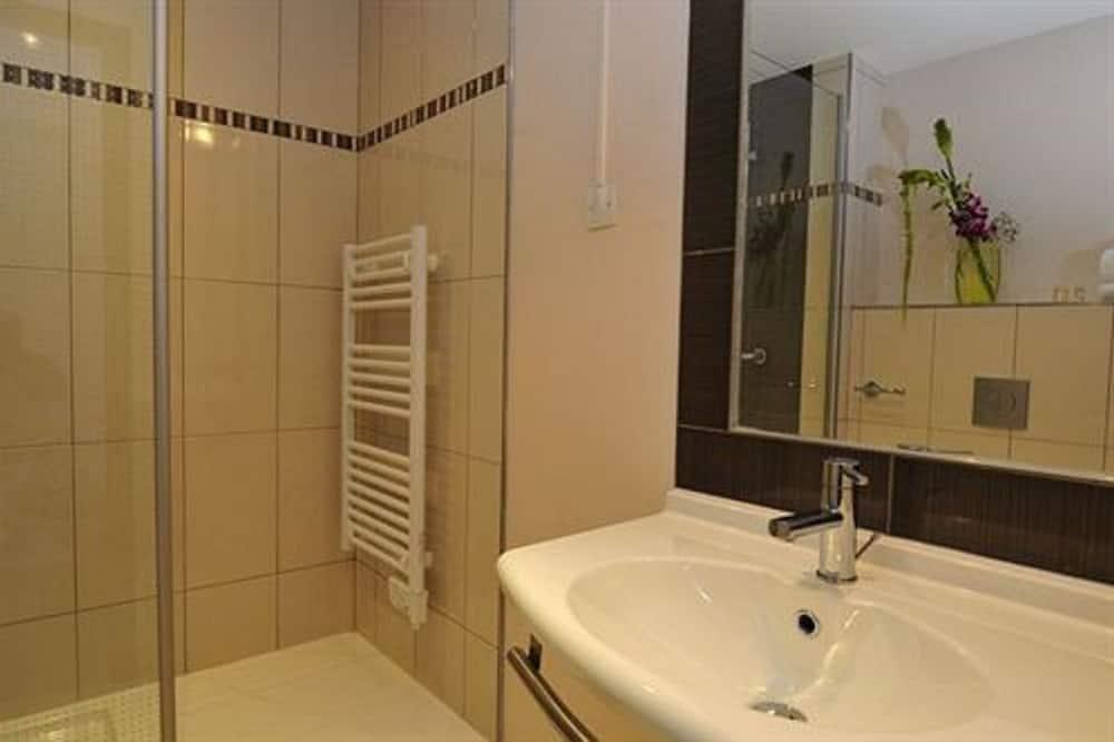 Triple Room - Bathroom Amenities