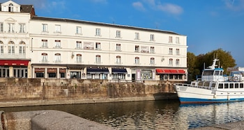 Picture of Best Western Le Cheval Blanc in Honfleur