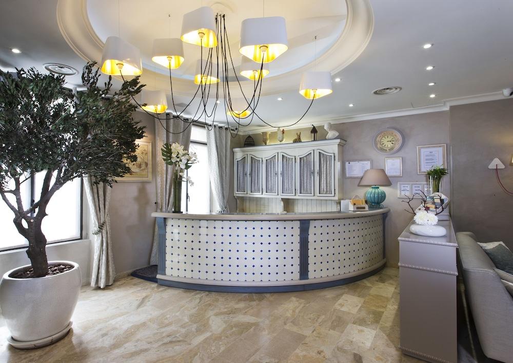 Hôtel Daumesnil Vincennes