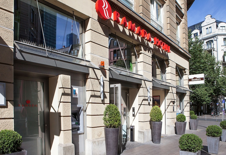 Ramada by Wyndham Frankfurt City Centre, Frankfurt, Otelin Önü