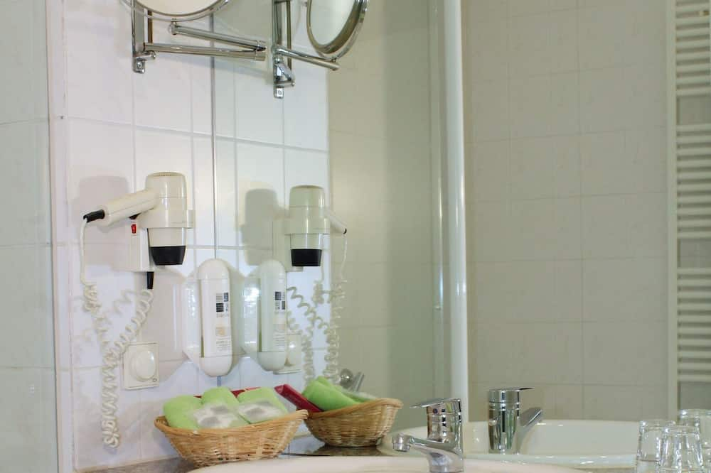 Standard Double Room (Breakfast Excluded) Best Available Rate - Bathroom