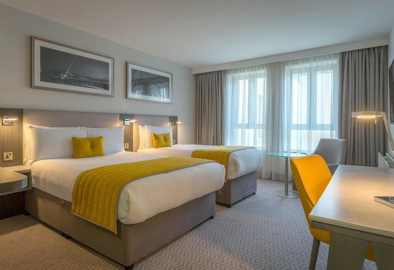 Maldron Hotel Pearse Street, Dublin, Double & Single Room, Guest Room