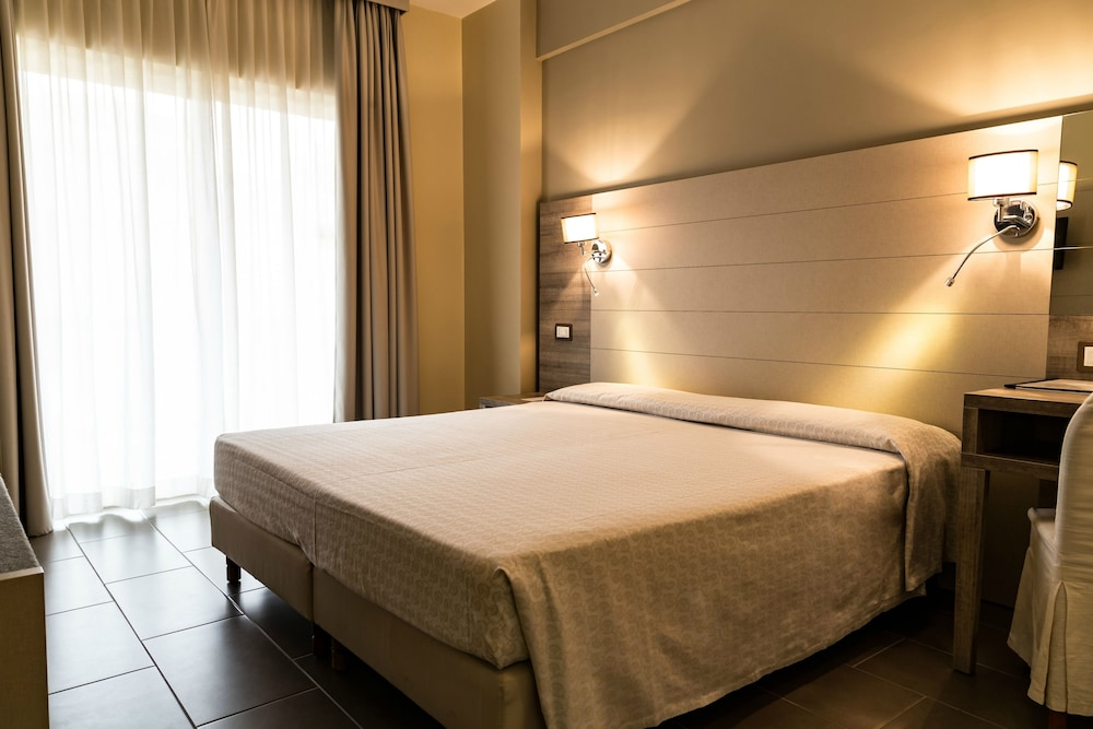 匹內塔宮殿酒店, Rome