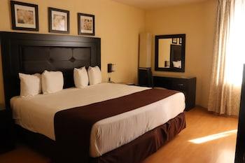 Фото Howard Johnson Plaza Hotel Las Torres у місті Гвадалахара