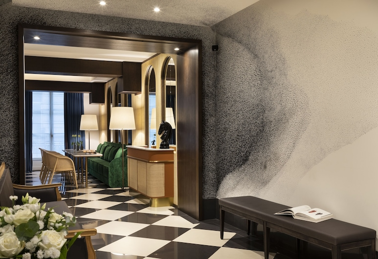 The Chess Hotel, Paris