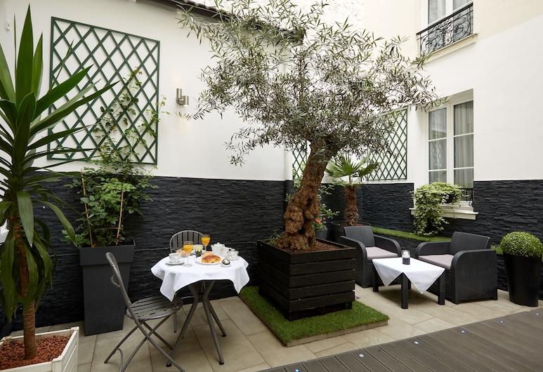 Hotel le Twelve, Paris, Terrace/Patio