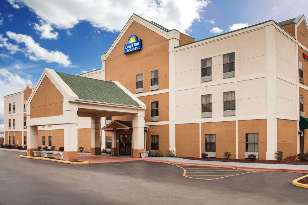 Days Inn Suites Harvey Chicago Southland Area