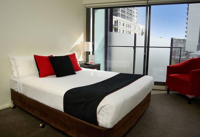 City Edge on Elizabeth, Melbourne, Studio Apartment with Balcony , City View