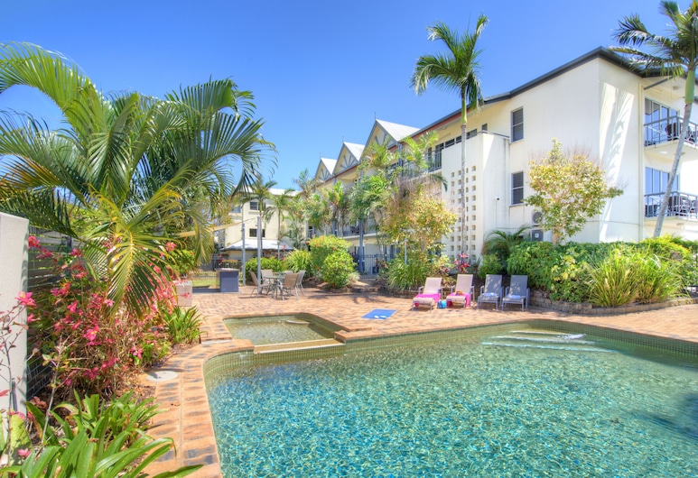 Cairns Queenslander Hotel & Apartments, Cairns North, Outdoor Pool
