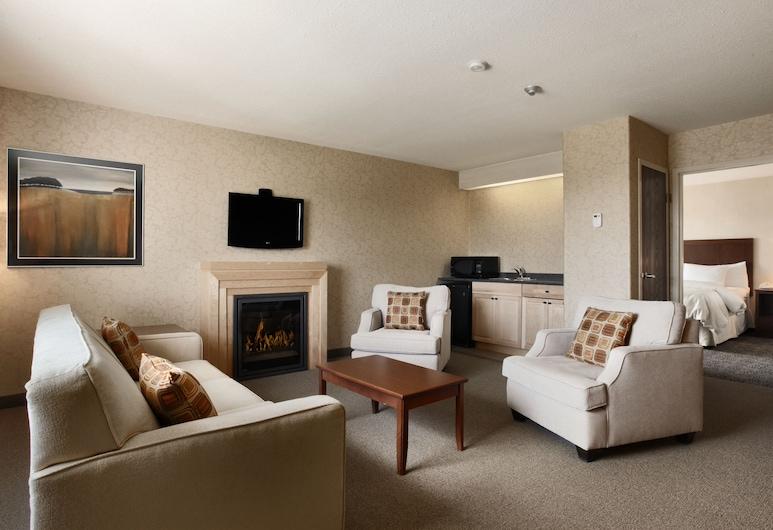 Days Inn & Suites by Wyndham Brandon, Brandon, Executive Suite, Living Area