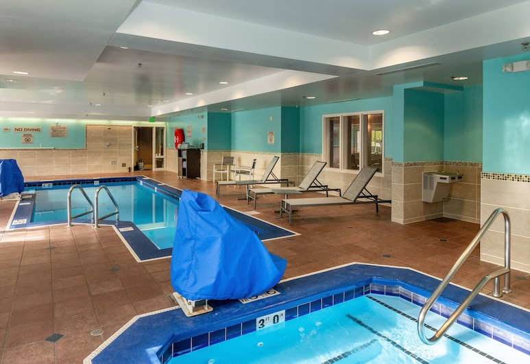SpringHill Suites Anchorage Midtown, Anchorage, Innen-Whirlpool