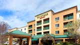Reserve this hotel in San Ramon, California