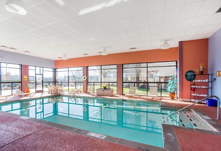 Comfort Inn, Franklin, Pool