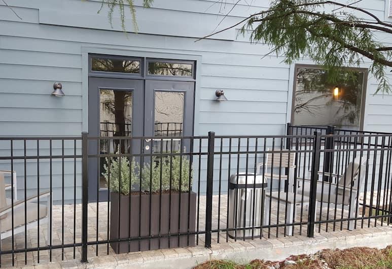 Country Inn & Suites by Radisson, Savannah Midtown, GA, Savannah, Exterior