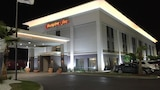 Choose This Gym Hotel in Waycross