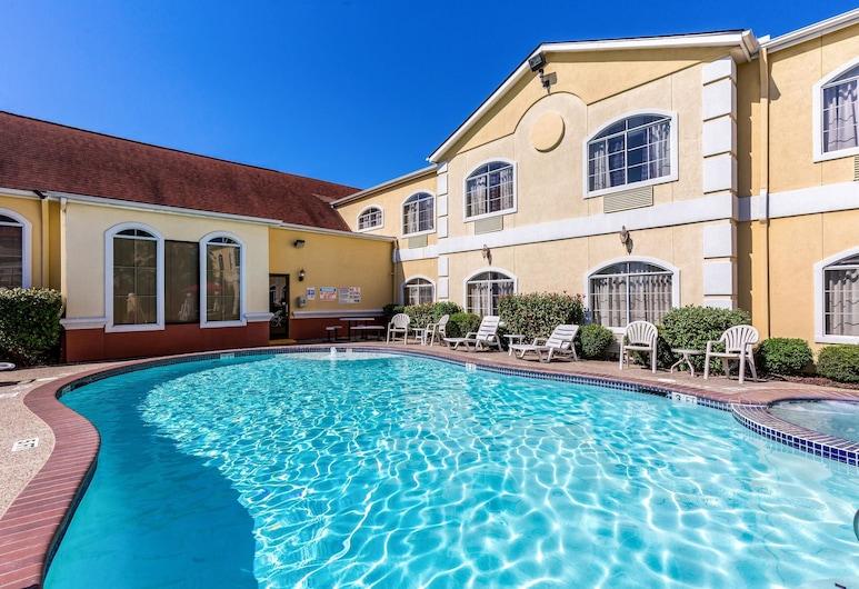 Quality Suites North, Houston, Pool