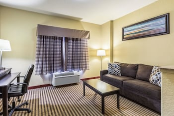 Picture of Quality Suites North in Houston