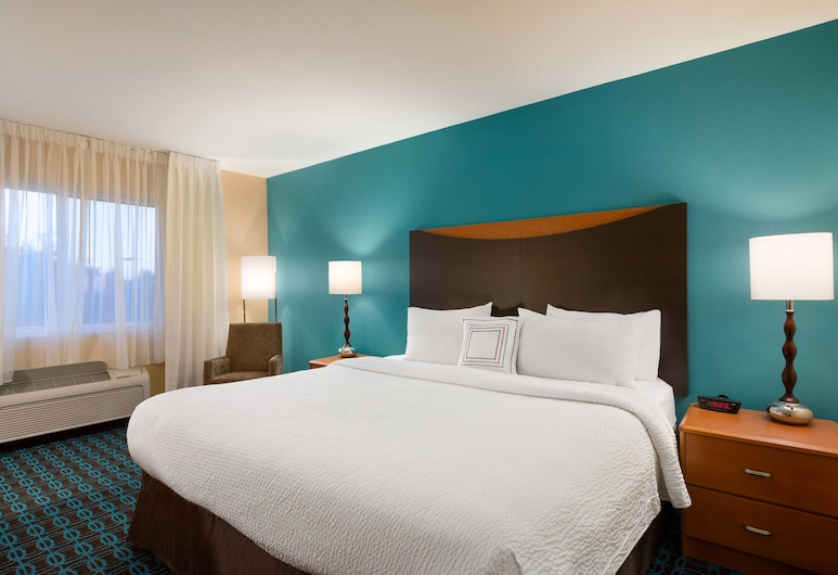 Fairfield by Marriott Inn & Suites Houston North/Cypress Station, Houston, Room, 1 King Bed, Guest Room