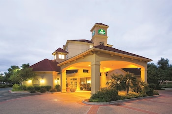 Picture of La Quinta Inn & Suites Mesa Superstition Springs in Mesa
