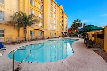 Picture of La Quinta Inn & Suites by Wyndham Mesa Superstition Springs in Mesa