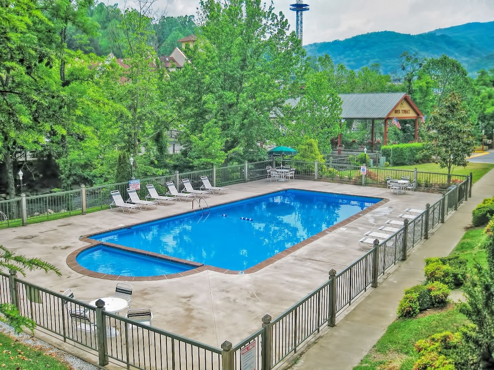 River Terrace Resort Convention Center Gatlinburg Outdoor Pool