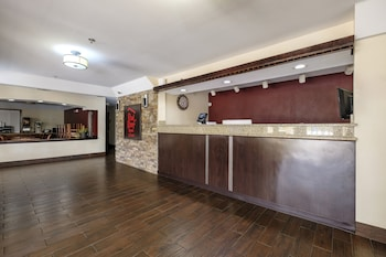 Mobile — zdjęcie hotelu Red Roof Inn & Suites Mobile - Tillmans Corner