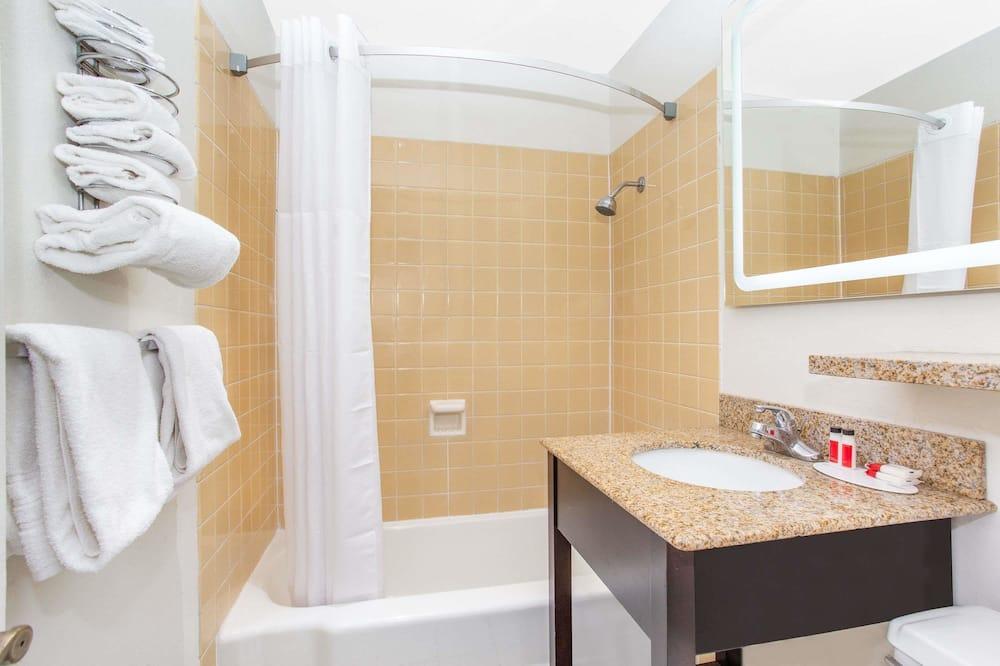 Pokoj typu Deluxe, dvojlůžko (200 cm), kuřácký - Koupelna