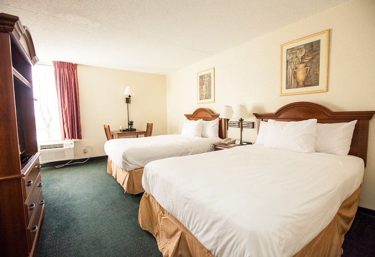 Inns of Virginia - Falls Church, Falls Church, Deluxe Double Room, 2 Double Beds, Guest Room