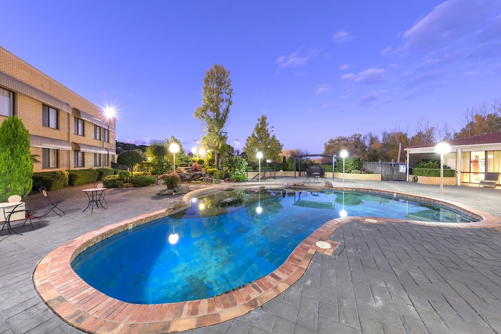 Best Western Plus Garden City Hotel, Narrabundah, Outdoor Pool