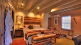 Book this Free Breakfast Hotel in Santa Fe
