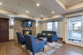 Picture of Comfort Inn & Suites Sacramento - University Area in Sacramento