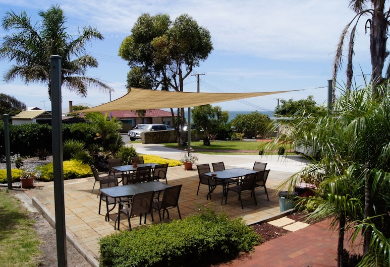 Kangaroo Island Seaview Motel, Kingscote, Courtyard