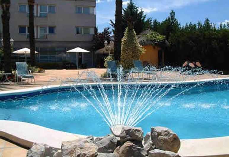 ホテル セルコテル アイル ペネデス, ビアフランカ デル ペネデス, 屋外プール