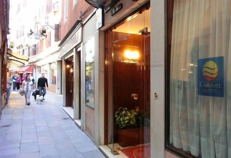 Hotel Diana, Venice, Exterior