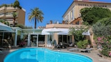 Choose This 3 Star Hotel In Cannes