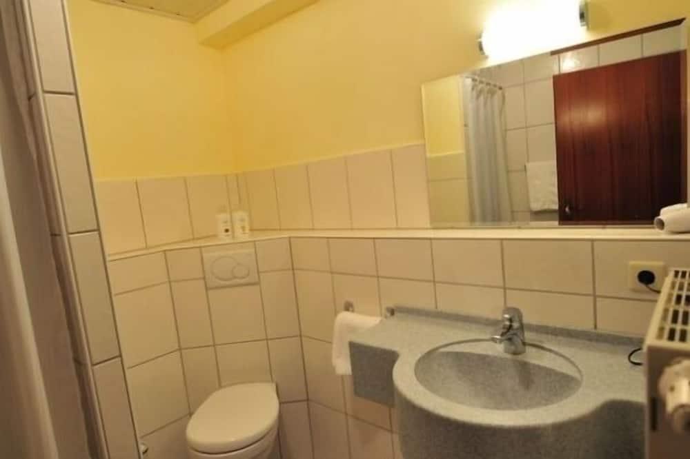 Standardna dvokrevetna soba - Kupaonica