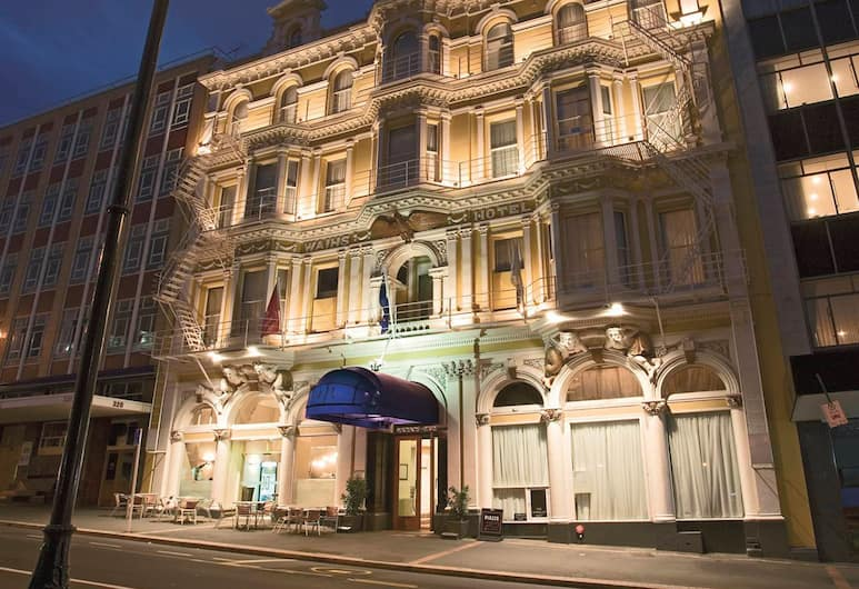 Wains Hotel Dunedin, Dunedin, Hotel Front – Evening/Night