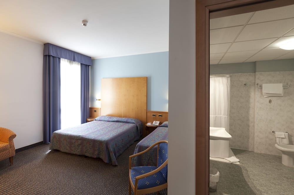 Třílůžkový pokoj typu Classic - Koupelna